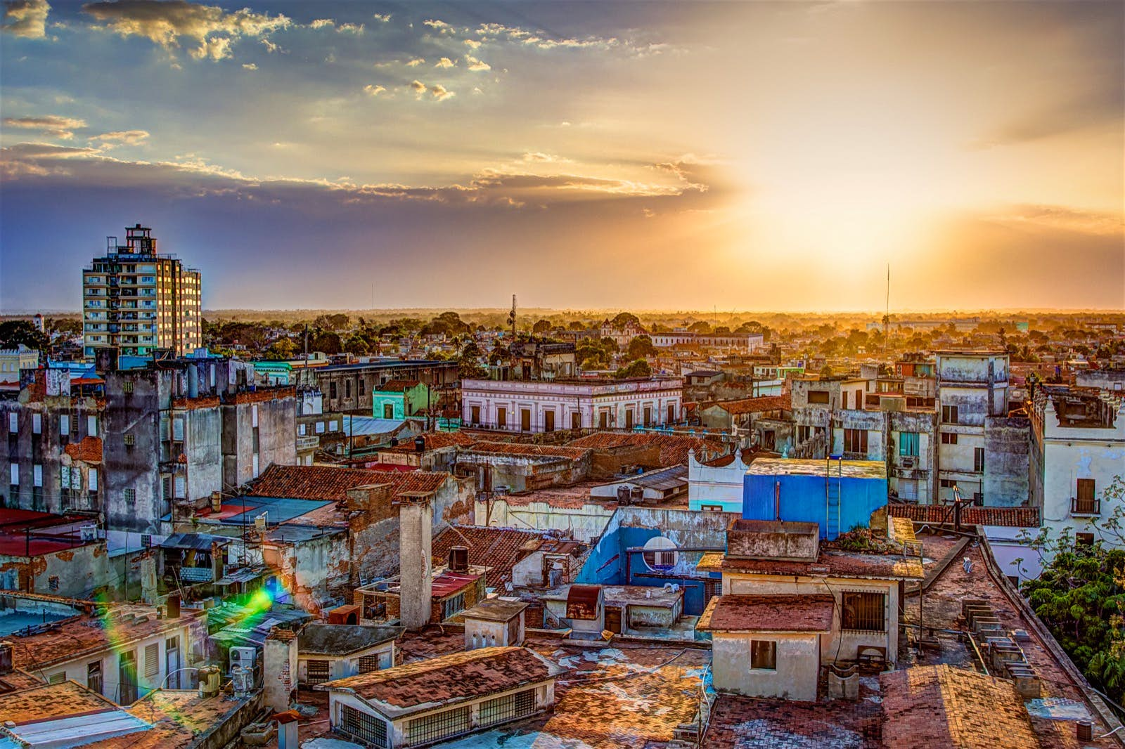 CUBA TE ESPERA