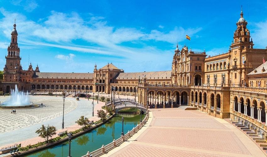 ESCAPADA A MADRID Y SEVILLA